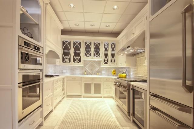 White Majesty Traditional Kitchen Chicago By Ddk Kitchen Design Group