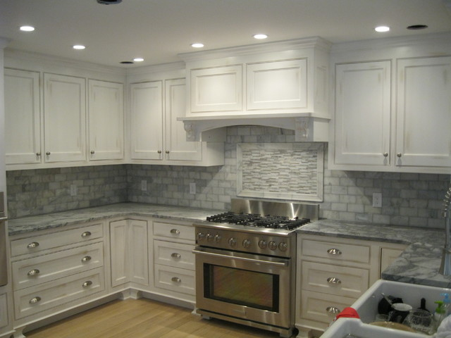 White Marble Backsplash Traditional Kitchen