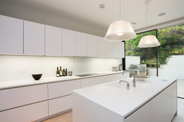 Glossy Or Matte White Kitchen Handleless