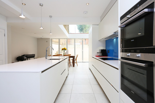 White matt kitchen modern kitchen london by lwk for Modern kitchen london