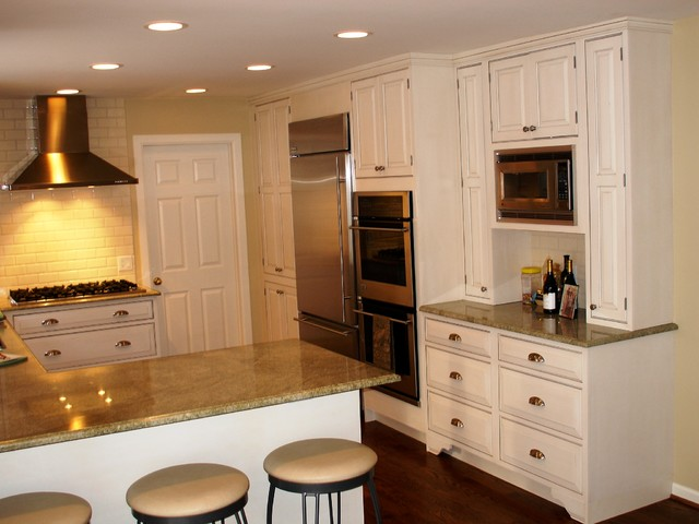 white painted kitchen greenfield cabinetry traditional kitchen