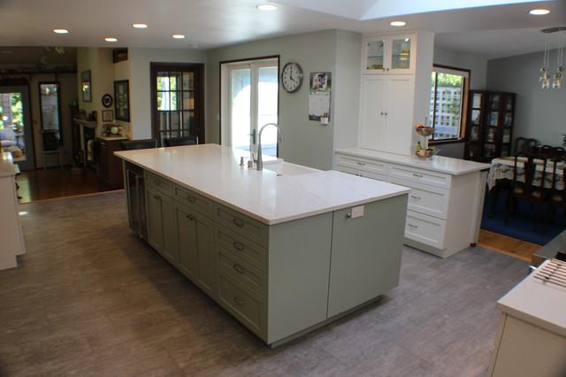Kitchen - transitional kitchen idea in Other