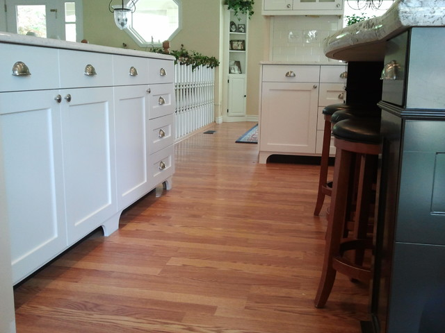 White painted traditional mission style cabinets for Traditional painted kitchens
