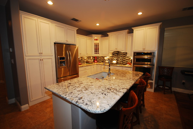 White/Praa Sands Project - Traditional - Kitchen - Other - by Blue River Cabinetry
