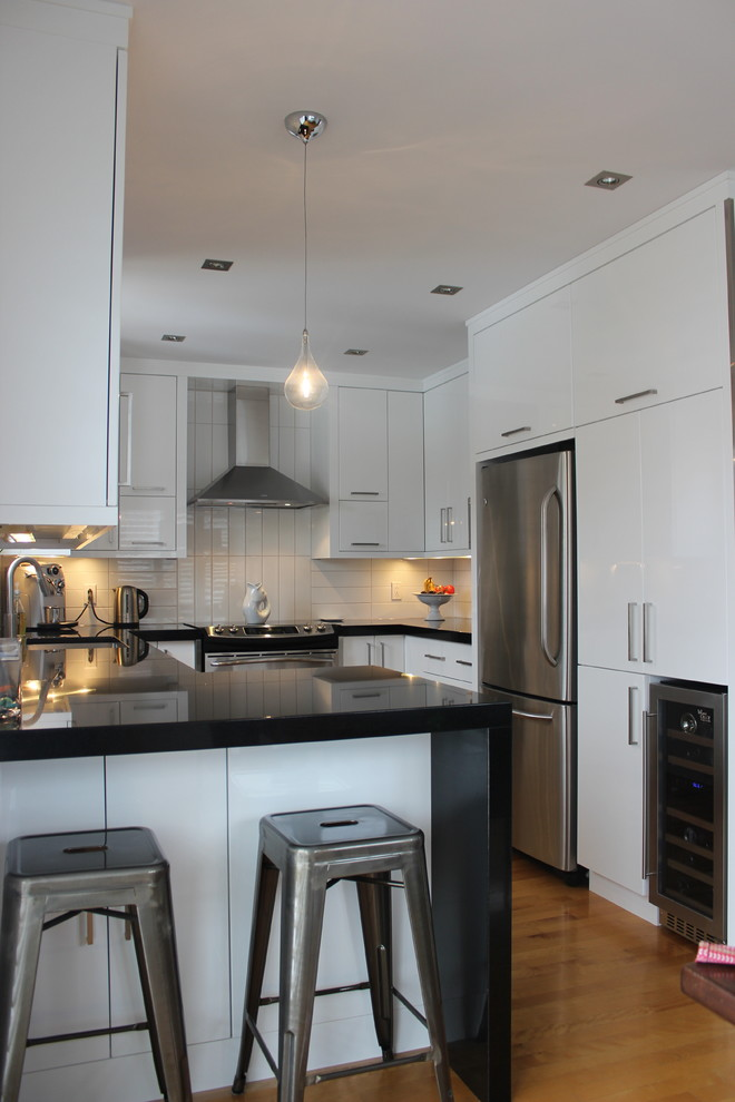 White Rush Contemporary Kitchen Montreal By