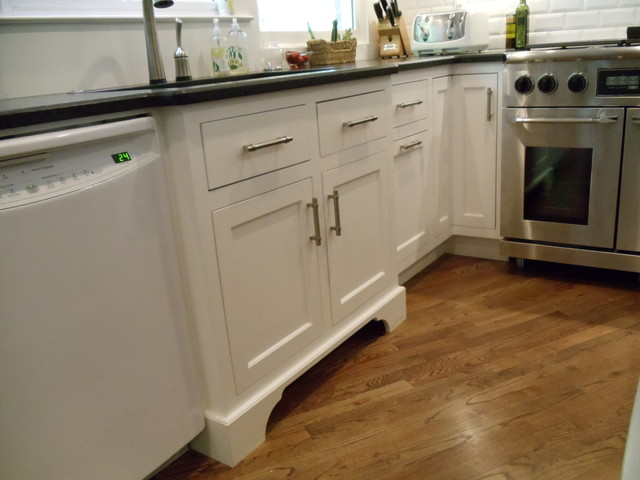 Awesome White Shaker Inset Cabinetry Traditional Kitchen