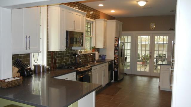 White Shaker Kitchen Cabinets - Traditional - Kitchen - Austin ...