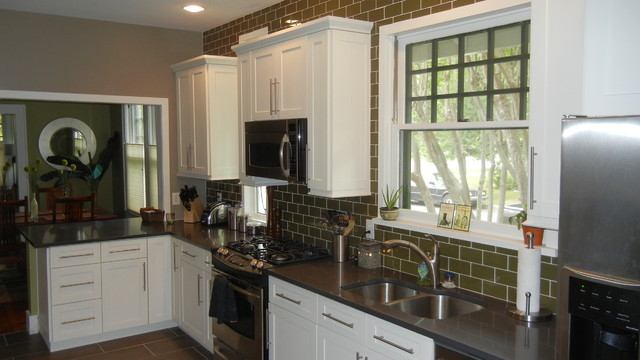 White Shaker Kitchen Cabinets Traditional Kitchen