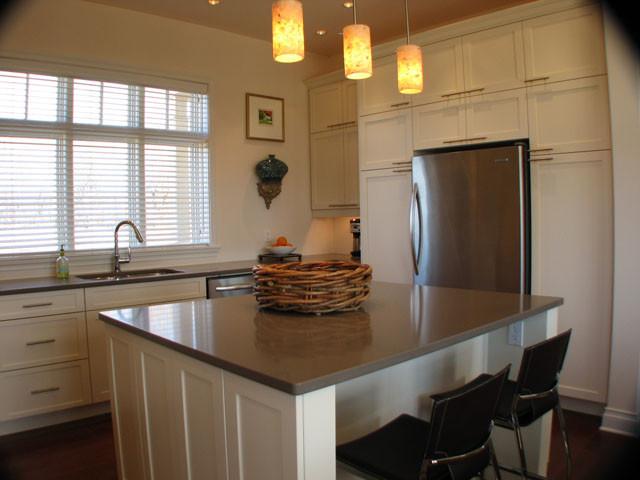White Shaker Kitchen contemporary-kitchen
