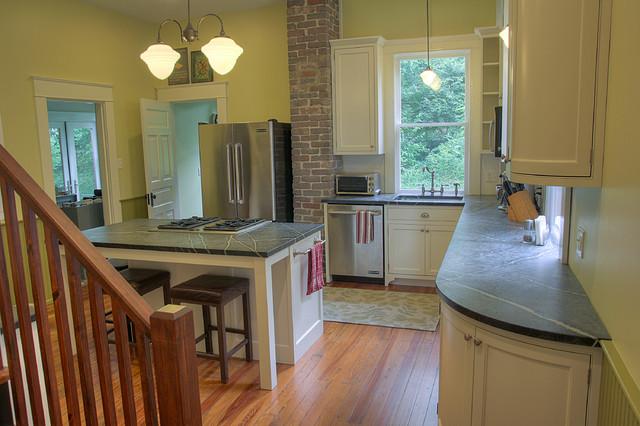 White Shaker Style Kitchen traditional-kitchen