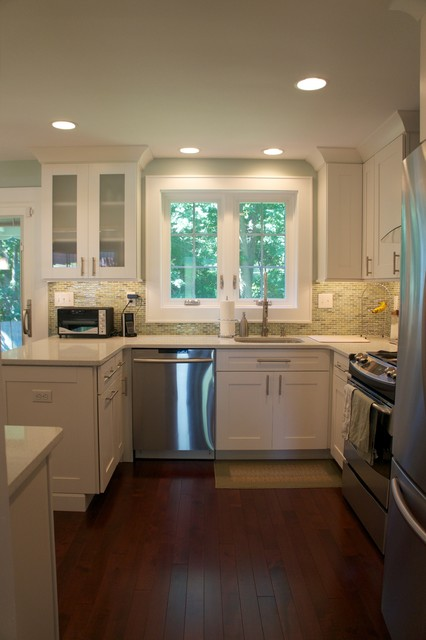White Shaker Transitional Kitchen - Contemporary - Kitchen ...