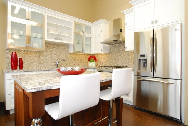 White Transitional Kitchen - Transitional - Kitchen - other metro - by Riverstone Kitchens