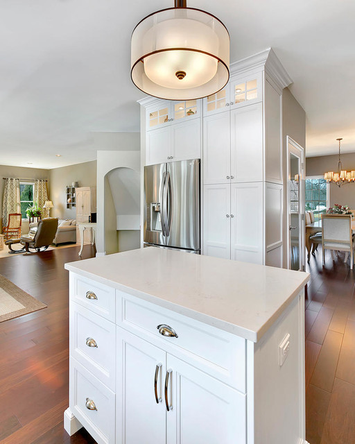 Transitional Kitchens With White Cabinets: White Transitional Kitchen Staggered Height Cabinets