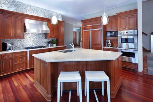 how to color kitchen cabinets need ideas madre perola quartzite with wood cabinets 7223