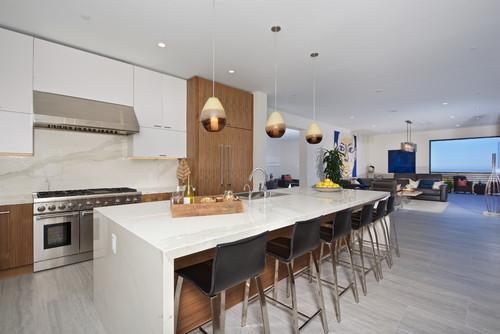 Porcelain countertops that mimic marble
