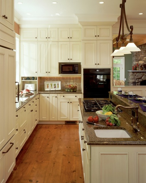 Private Residence Massachusetts traditional-kitchen