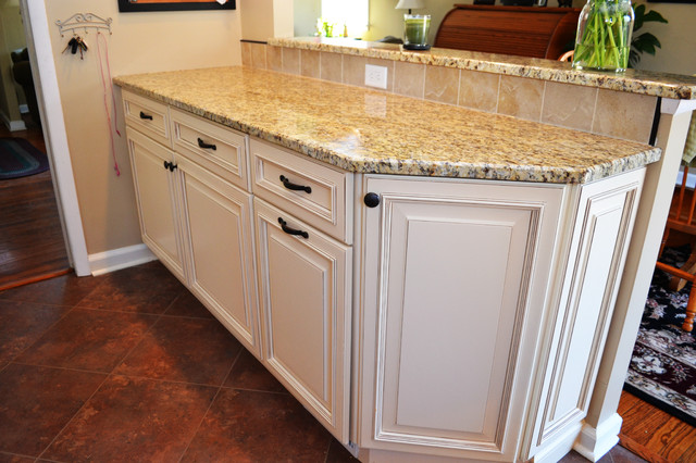 Willow Grove Kitchen traditional-kitchen