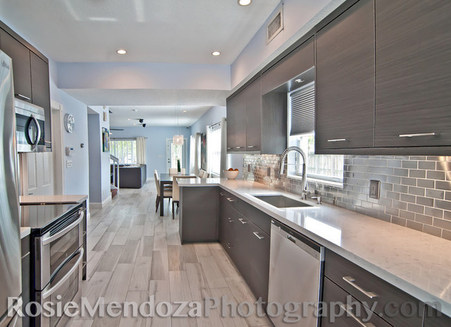 Wilton manors townhome modern kitchen miami by for Key west style kitchen designs