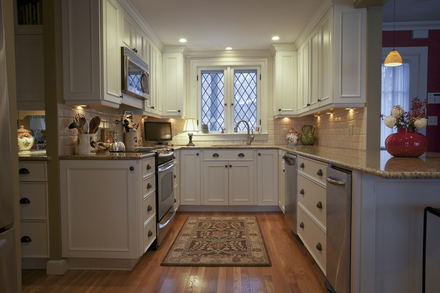 Winchester traditional-kitchen