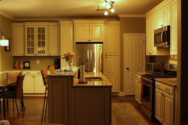 Hazelnut Glaze By Shenandoah Cabinetry
