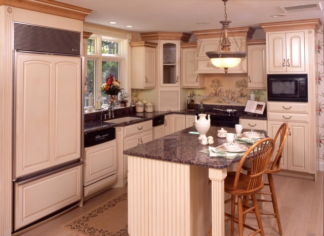Windham Nh Traditional Kitchen Boston By Blackdog