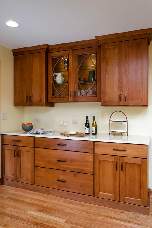 Need backsplash ideas for open kitchen cinnamon cabinets for Cinnamon colored kitchen cabinets
