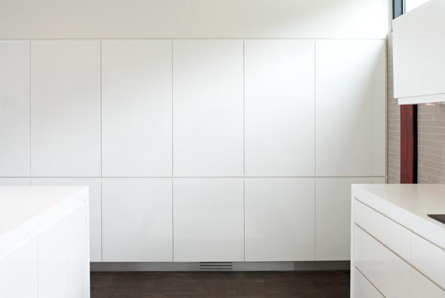 Wirth Park modern-kitchen