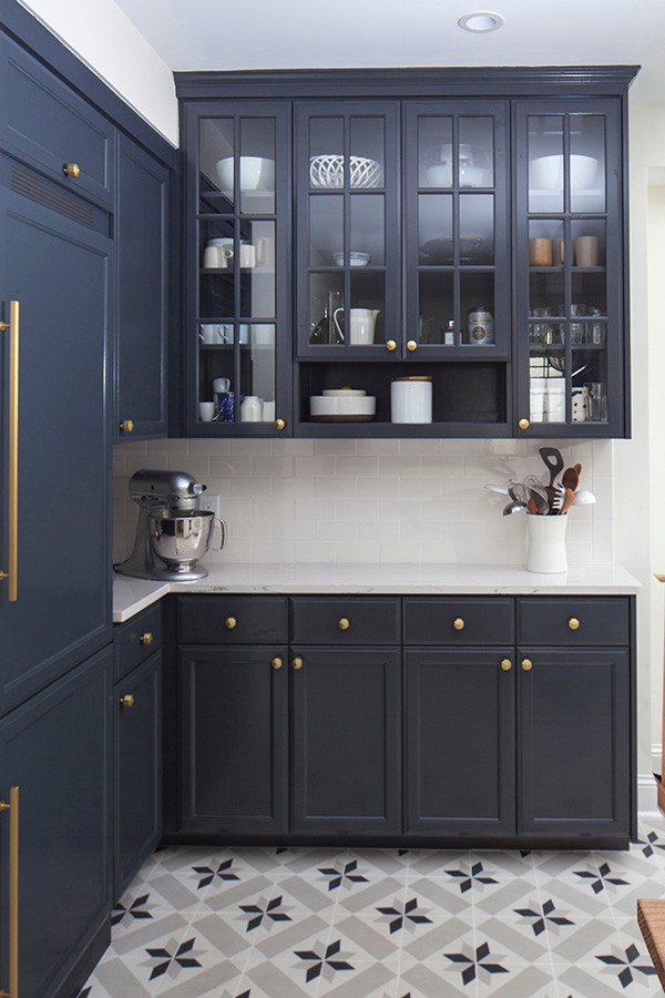 Example of a kitchen design in Minneapolis