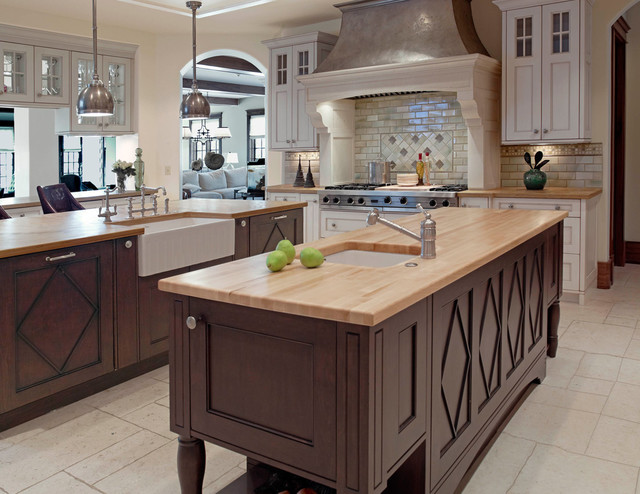 Wm Ohs Cabinetry With Diamond Island transitional-kitchen
