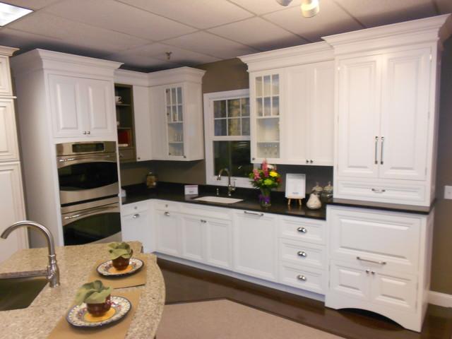Woburn Ma White Kitchen Cabinetry Design Kitchen Boston By Carole Kitchen And Bath Design Houzz Uk