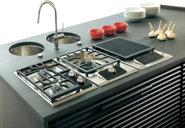 """Wolf 15"""" Gas Cooktop, Classic Stainless Liquid Propane 