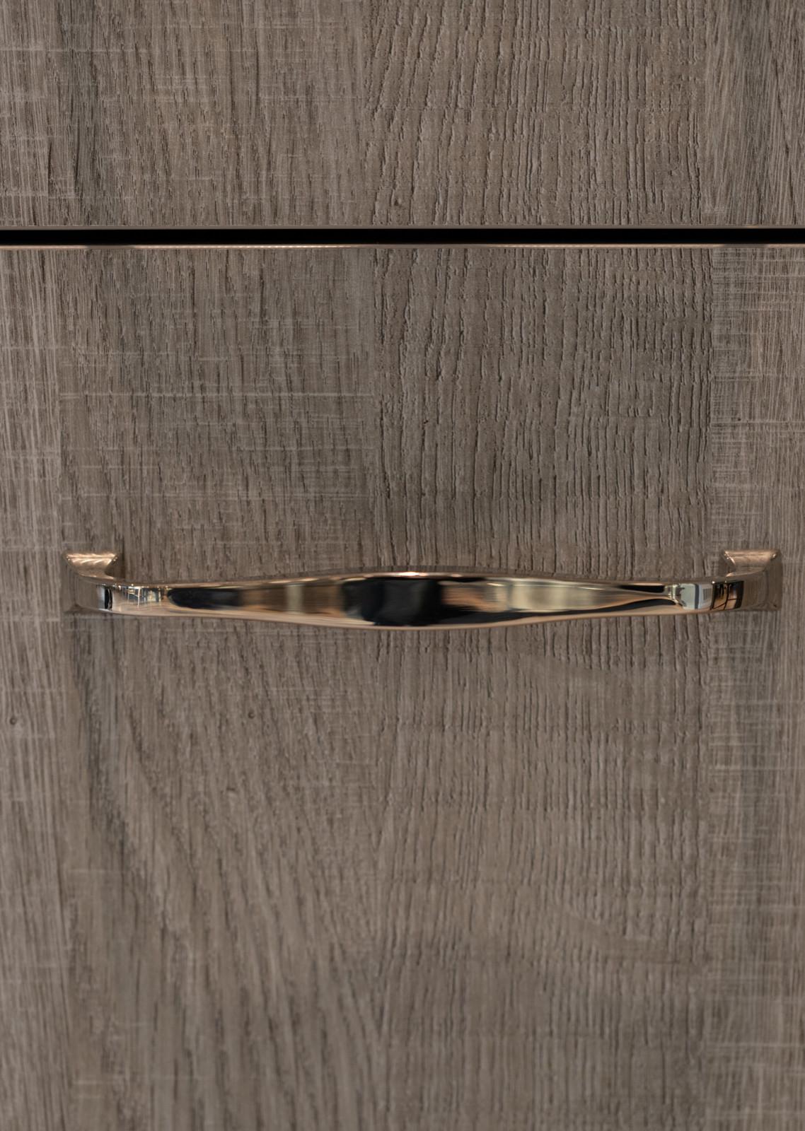wood grain vertically matched door to drawer