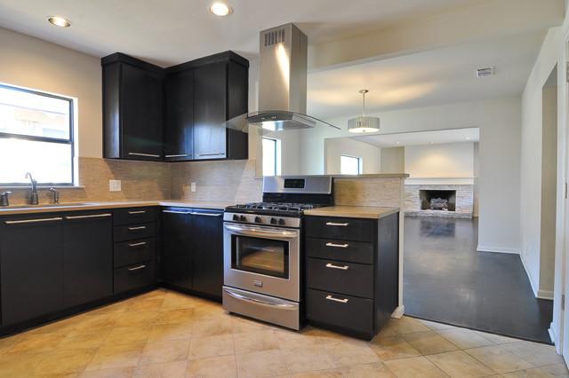 Woodcrest, Dallas, TX traditional-kitchen