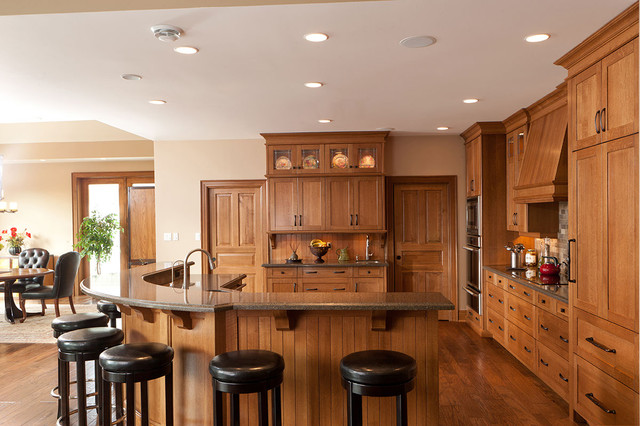 example of a classic l shaped eat in kitchen design in toronto with shaker - Kitchen Wall Units Designs