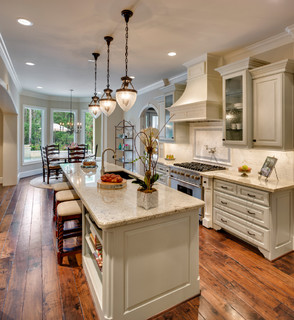 66 Pine Brook - Kitchen - houston - by Frankel Building Group