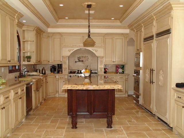 Woodmaster kitchen bath mediterranean kitchen los for Kitchen and bath contractors