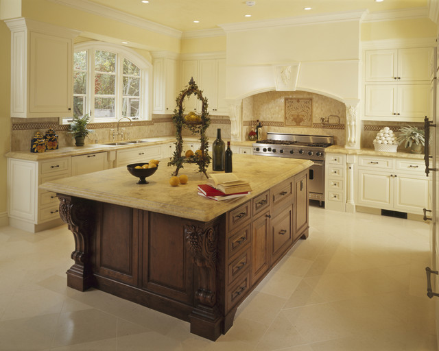 Woodmaster Kitchen & Bath traditional-kitchen