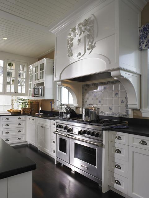 Woodmeister- Kitchen 2 traditional-kitchen