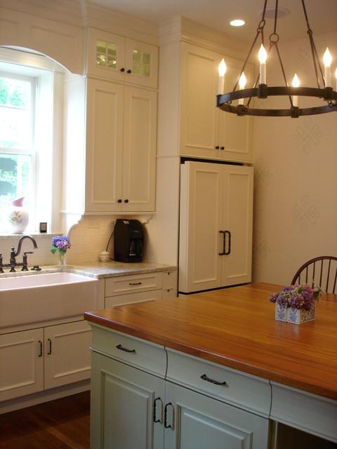 Woodmode/Brookhaven Springfield traditional-kitchen
