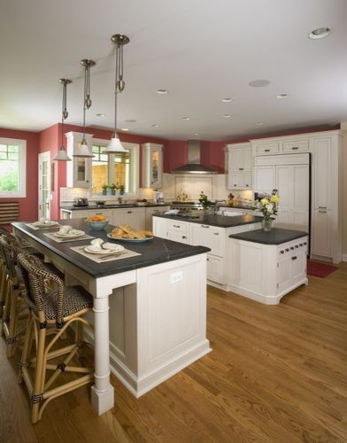 Nantucket style stone and shingle living in northbrook for Nantucket style kitchen