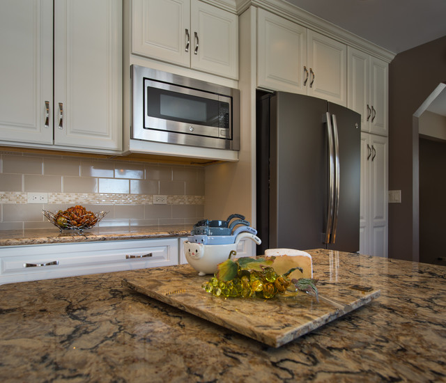 Woodridge Home Transitional Kitchen chicago by LMR