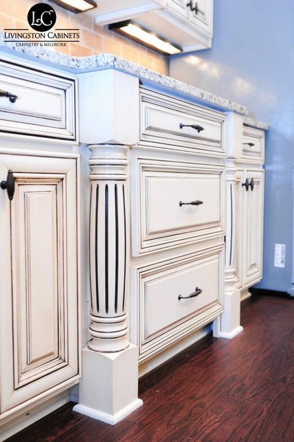 Woods | Cabinetry traditional-kitchen