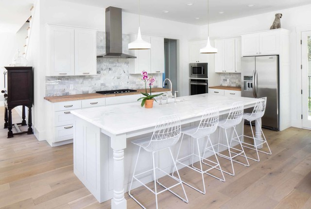 Woodview - Contemporary - Kitchen - Austin - by DK Studio