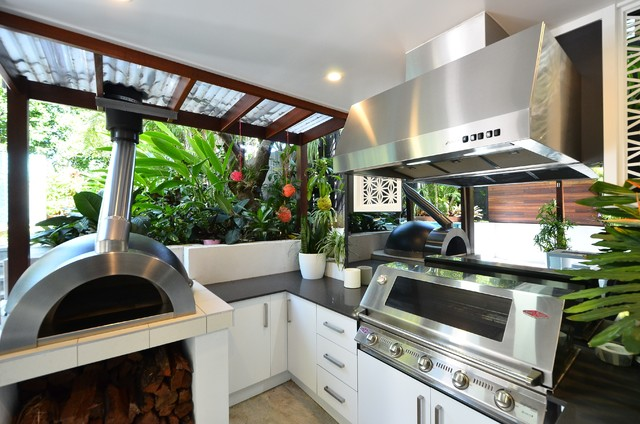 Wooloowin Queenslander beach-style-kitchen