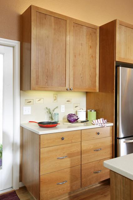work area with custom fossil splash contemporary kitchen sacramento by mak design. Black Bedroom Furniture Sets. Home Design Ideas