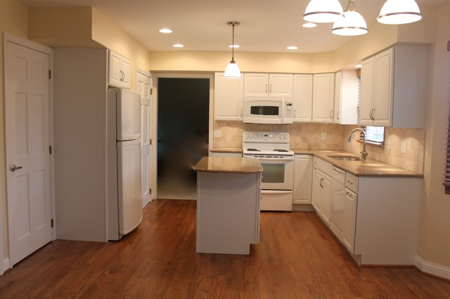 Kitchen  Traditional  Kitchen  columbus  by Cardinal Kitchens and