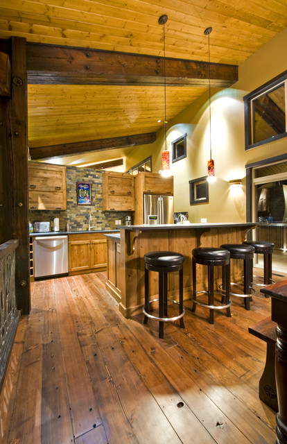 WRANGLER LODGE contemporary kitchen