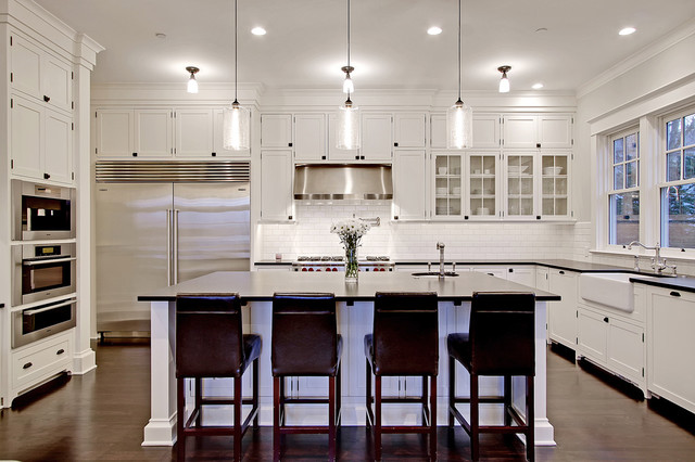 Yarrow Point Custom Home traditional-kitchen