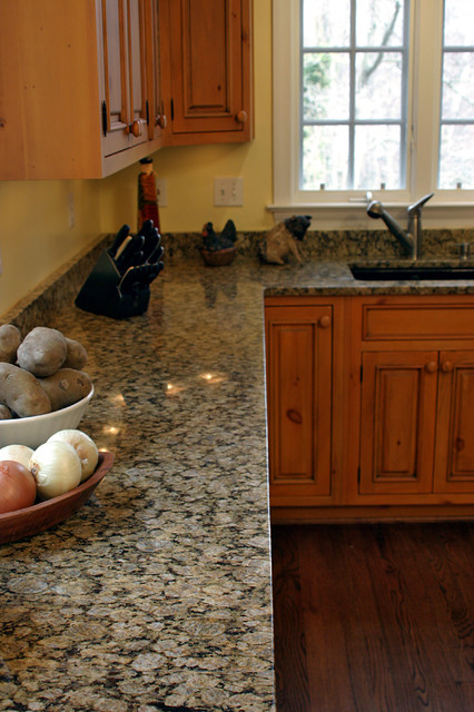 Yellow Butterfly Granite Traditional Kitchen