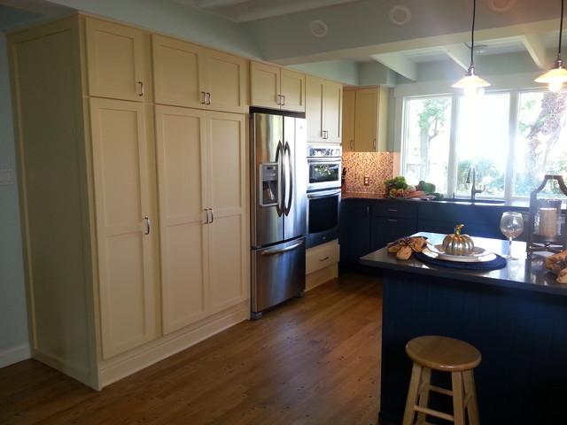 Yellow - Navy Kitchen